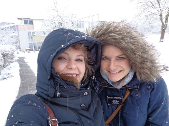 sis's in snow